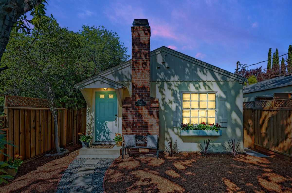 $1,799,000 - 2Br/1Ba -  for Sale in Palo Alto
