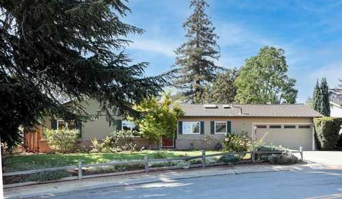 $2,799,000 - 3Br/2Ba -  for Sale in Los Altos