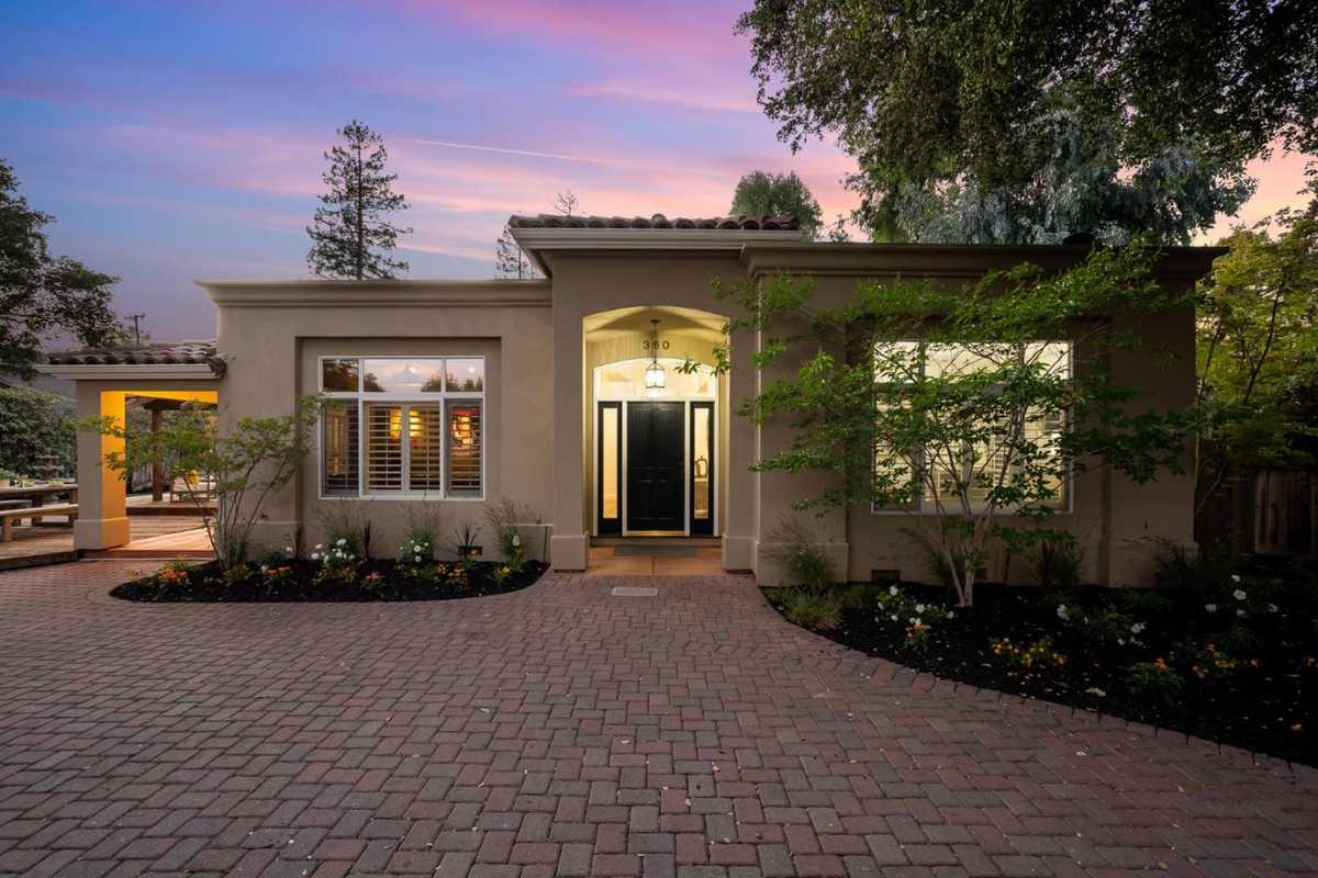 $4,388,000 - 4Br/3Ba -  for Sale in Palo Alto