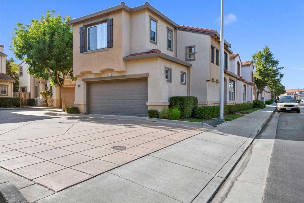$1,299,000 - 3Br/3Ba -  for Sale in Santa Clara