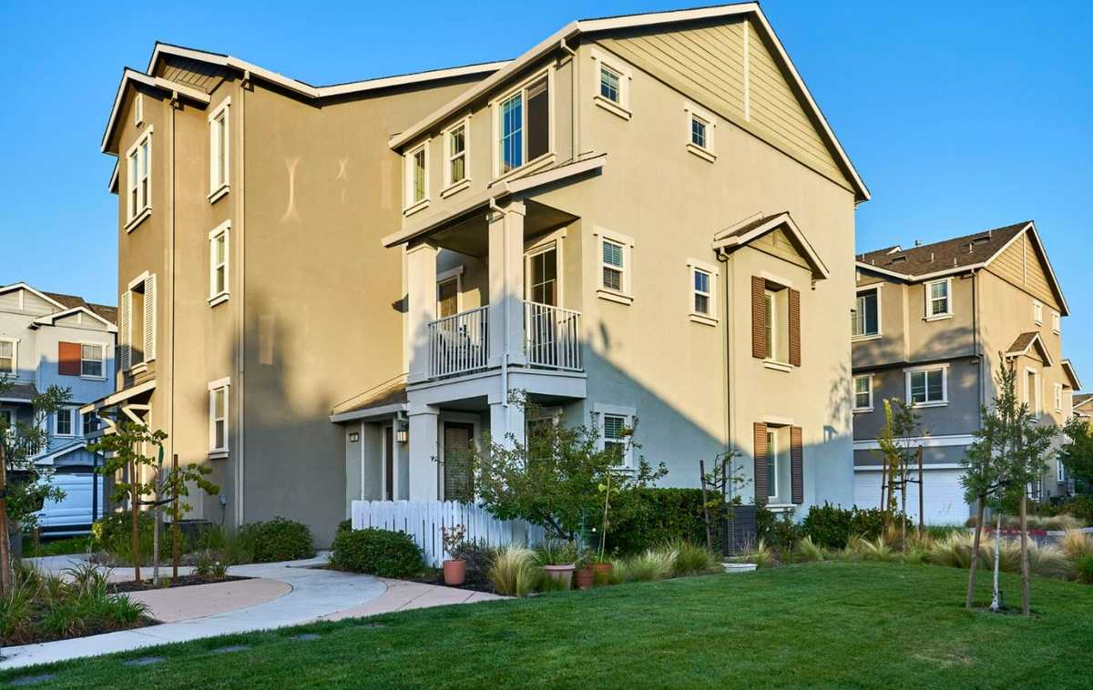 $1,398,000 - 2Br/3Ba -  for Sale in Mountain View
