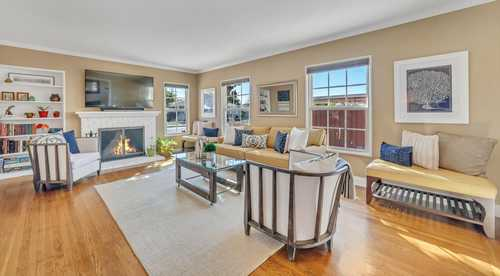 $949,000 - 2Br/1Ba -  for Sale in East Palo Alto