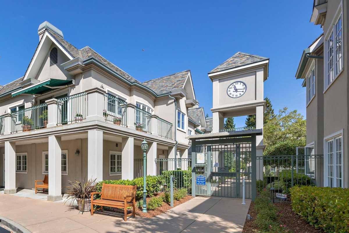 $1,495,000 - 2Br/2Ba -  for Sale in Los Altos