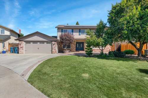 $995,000 - 5Br/3Ba -  for Sale in Gilroy