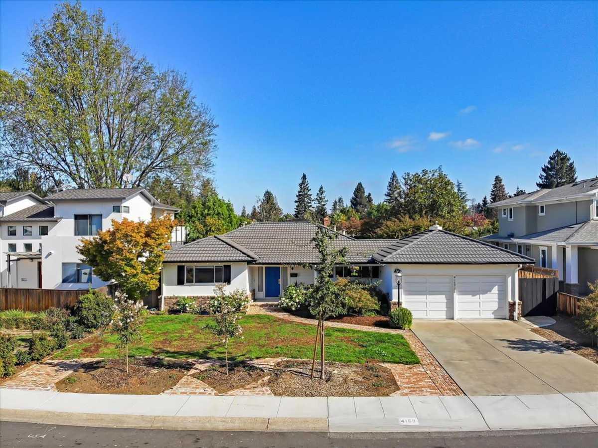$3,200,000 - 3Br/3Ba -  for Sale in Palo Alto