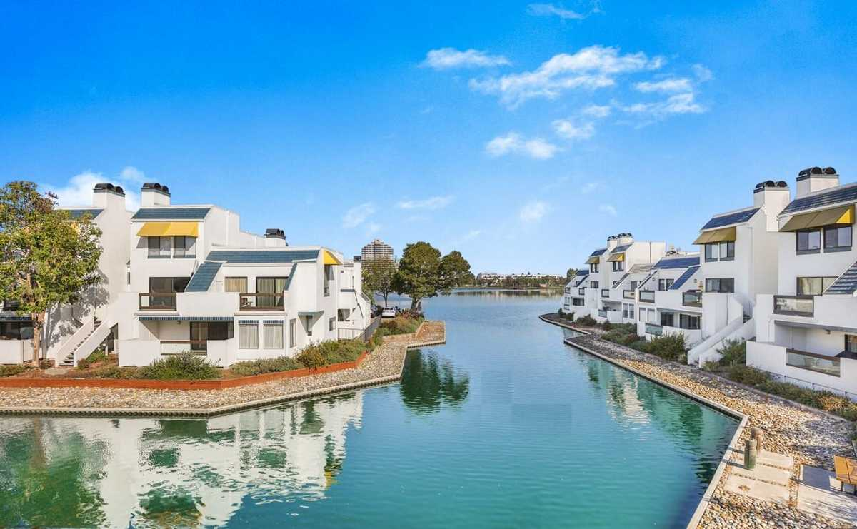 $1,577,000 - 3Br/3Ba -  for Sale in Foster City