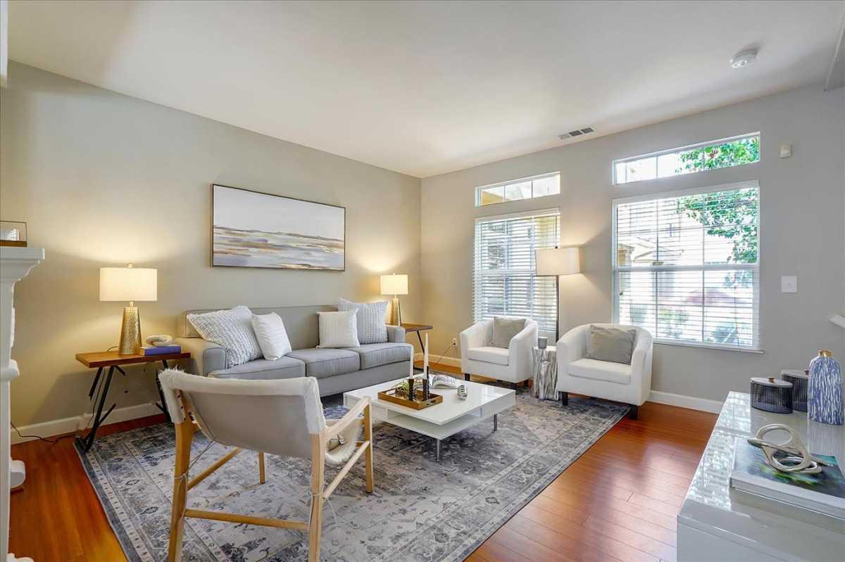 $958,000 - 3Br/3Ba -  for Sale in Fremont