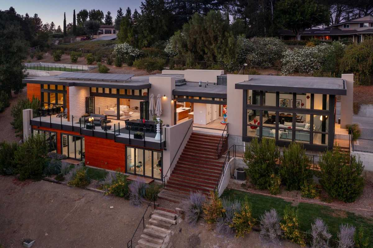$7,250,000 - 5Br/7Ba -  for Sale in Los Altos Hills