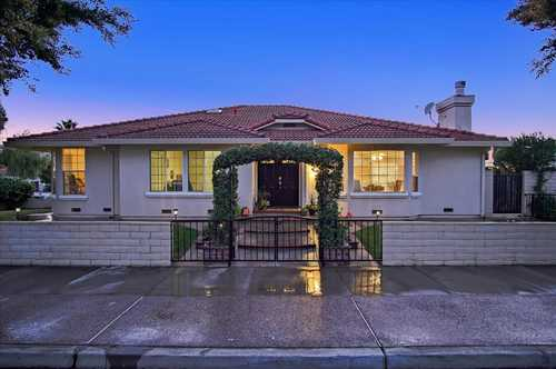 $1,015,000 - 4Br/3Ba -  for Sale in Gilroy