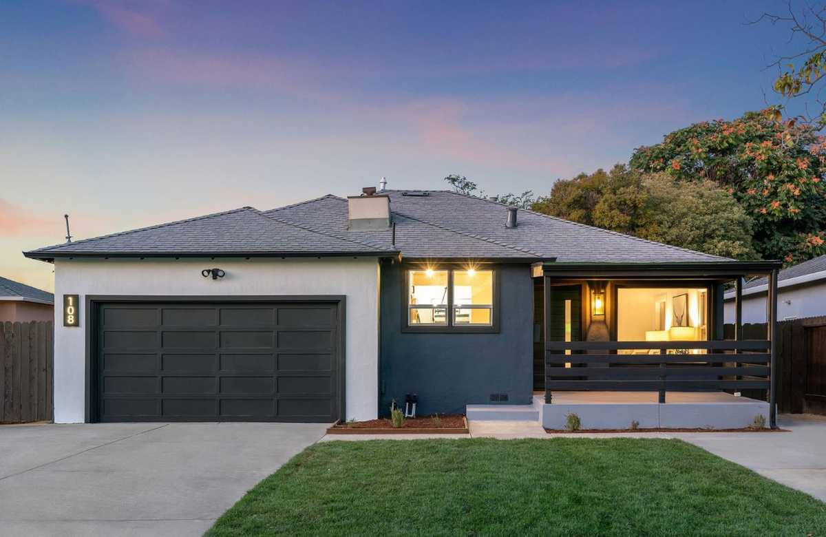 $998,000 - 3Br/2Ba -  for Sale in East Palo Alto