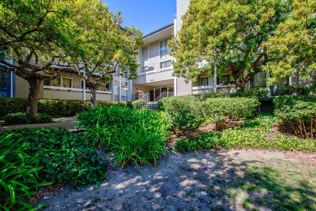 $895,000 - 2Br/2Ba -  for Sale in Foster City