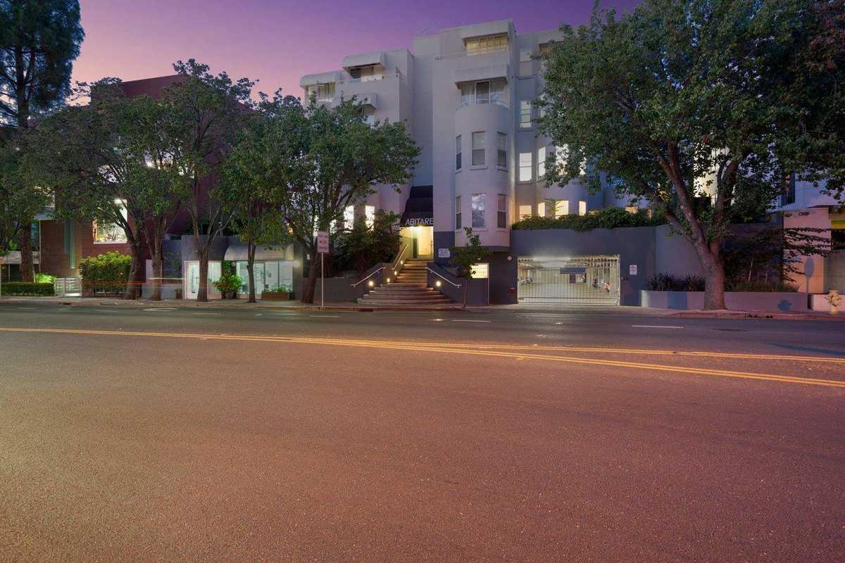 $1,198,000 - 2Br/2Ba -  for Sale in Palo Alto