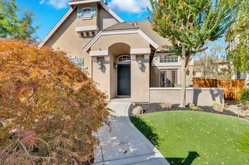 $1,049,000 - 4Br/3Ba -  for Sale in Gilroy