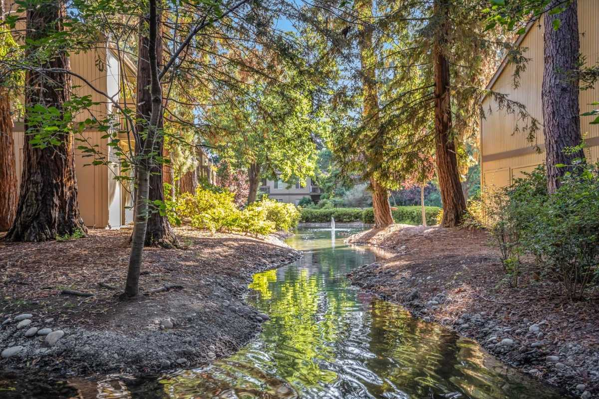 $750,000 - 2Br/1Ba -  for Sale in Mountain View