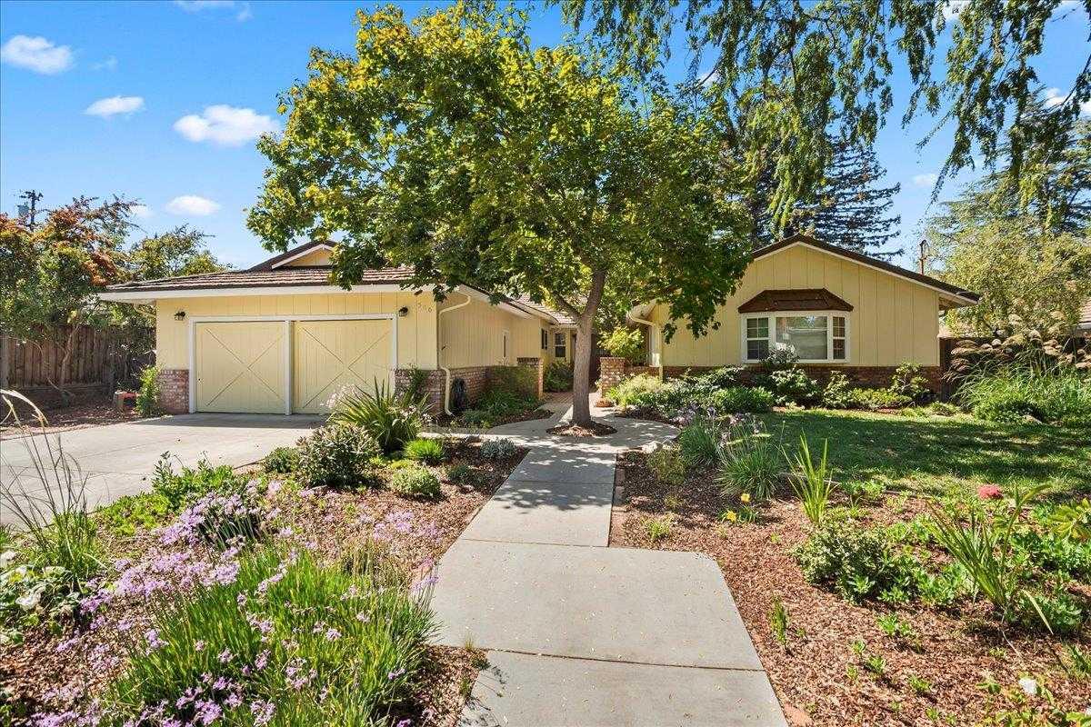 $4,198,000 - 5Br/3Ba -  for Sale in Los Altos