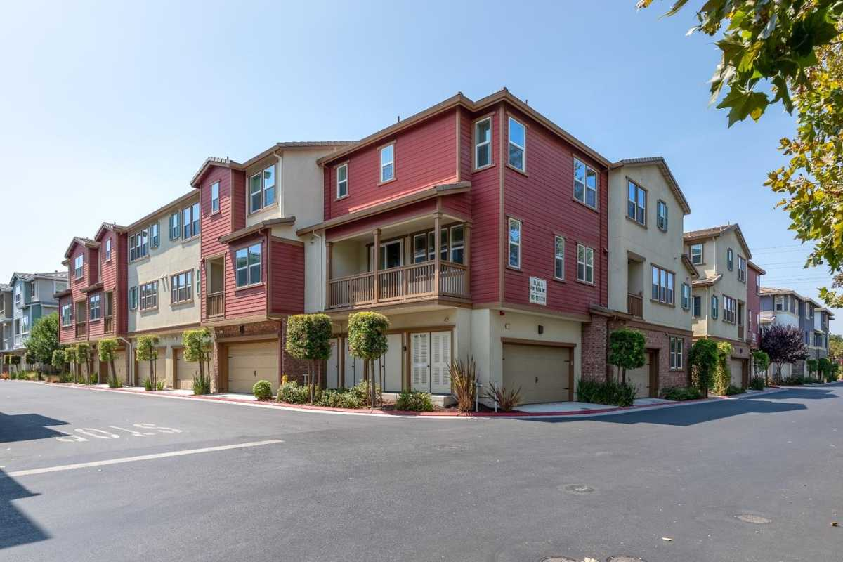 $1,290,000 - 2Br/3Ba -  for Sale in Sunnyvale