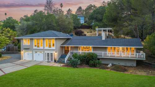 $4,300,000 - 4Br/4Ba -  for Sale in Saratoga