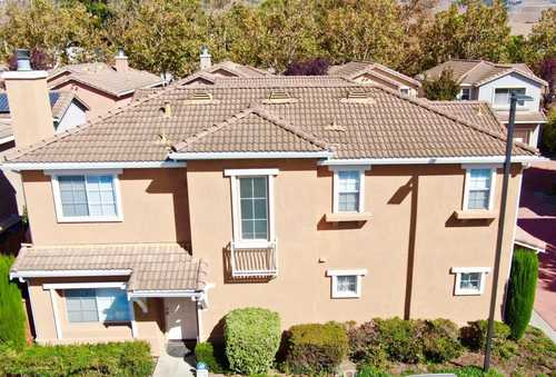 $968,000 - 4Br/3Ba -  for Sale in Union City