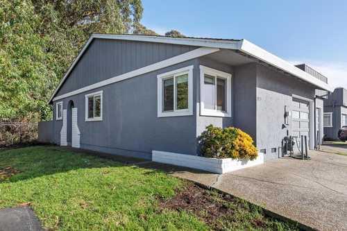 $599,000 - 2Br/1Ba -  for Sale in Half Moon Bay