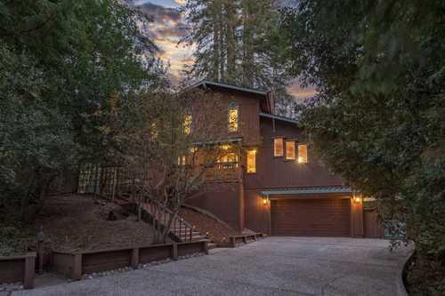 $1,899,000 - 3Br/3Ba -  for Sale in Woodside