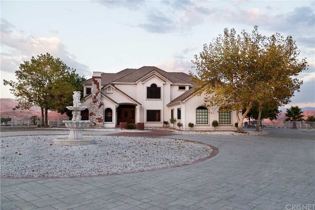 $1,175,000 - 4Br/4Ba -  for Sale in Agua Dulce