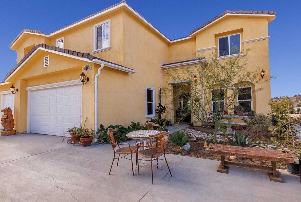 $999,000 - 5Br/4Ba -  for Sale in Canyon Country