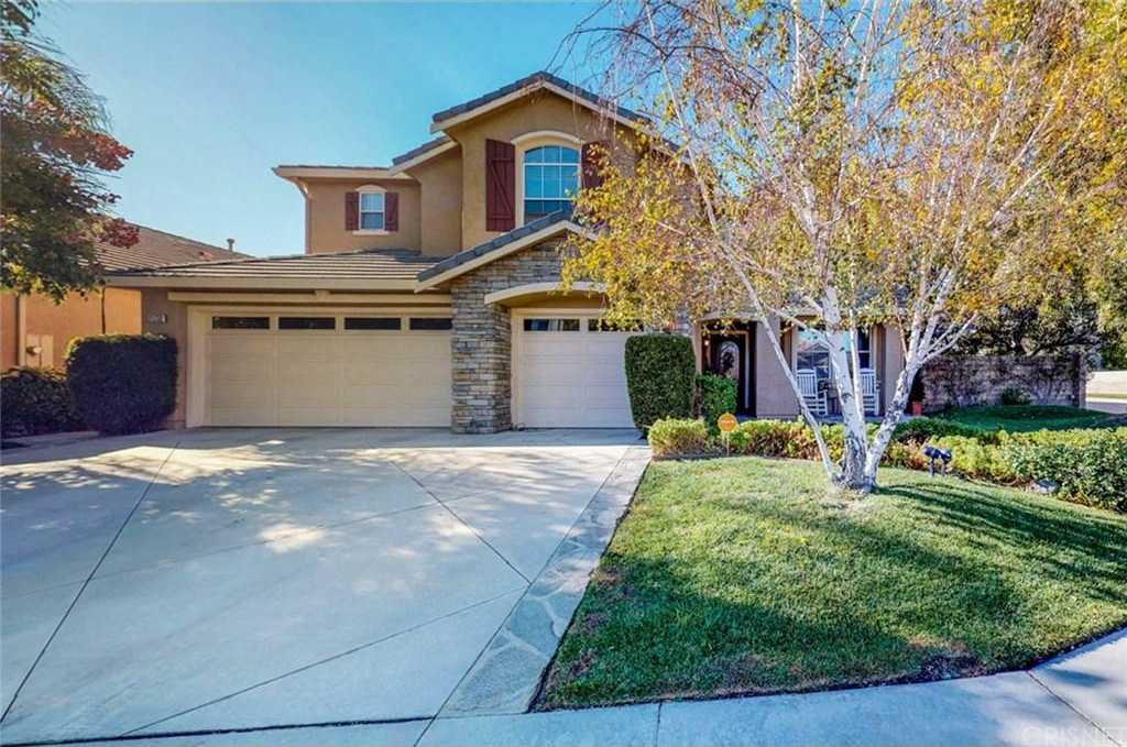 $799,950 - 5Br/4Ba -  for Sale in Saugus
