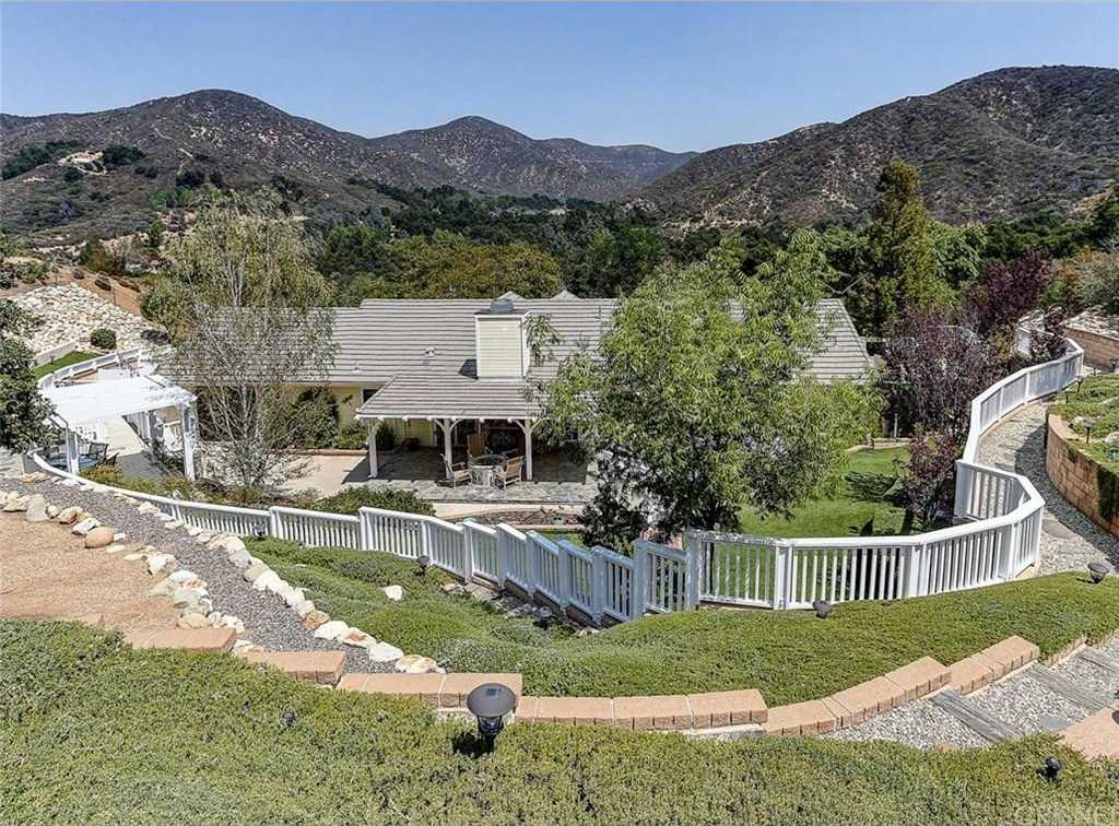 $1,300,000 - 3Br/2Ba -  for Sale in Green Valley