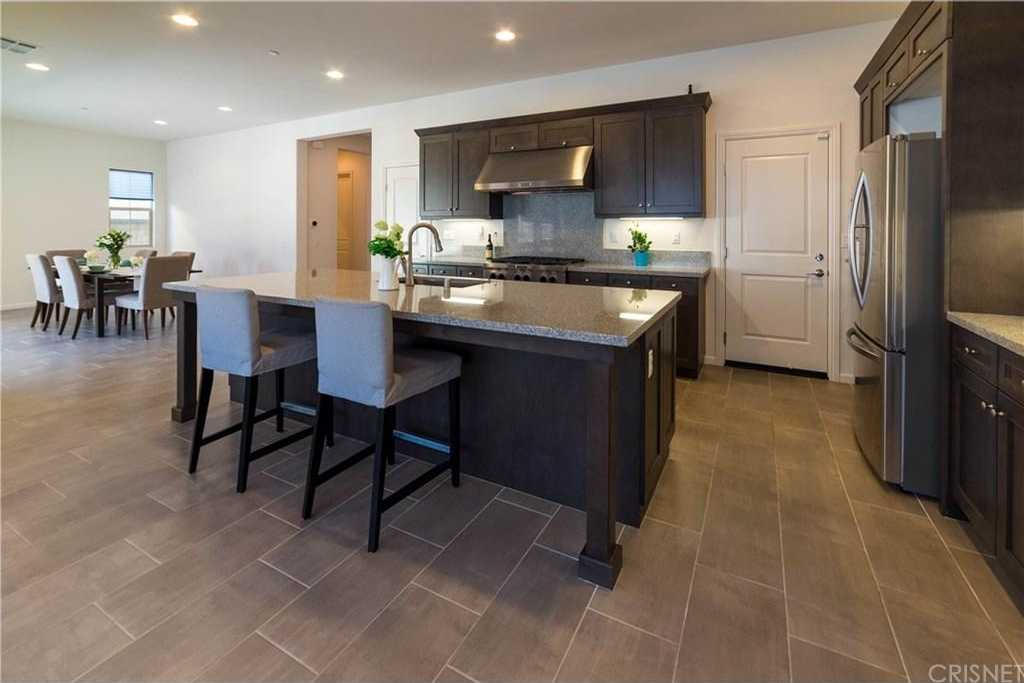 $749,999 - 5Br/5Ba -  for Sale in Saugus