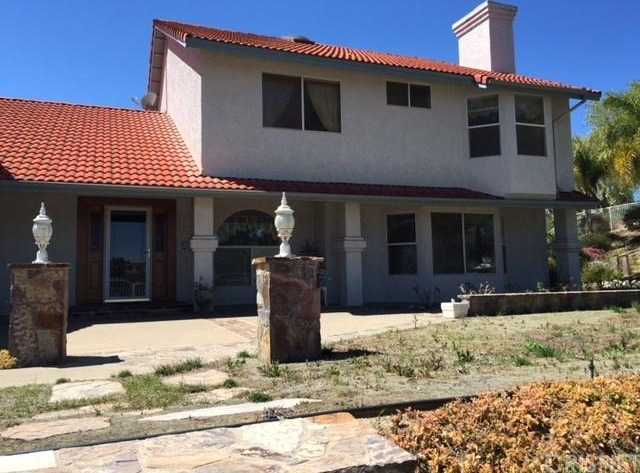 $750,000 - 3Br/3Ba -  for Sale in Castaic