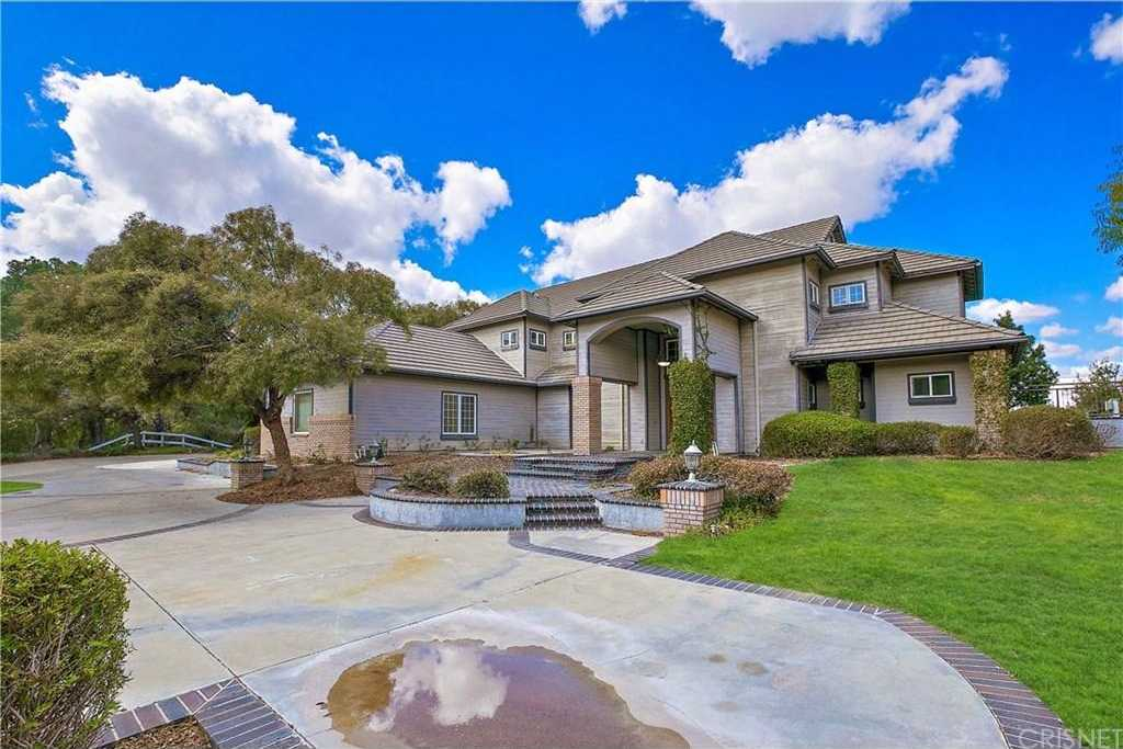 $1,099,900 - 4Br/5Ba -  for Sale in Canyon Country