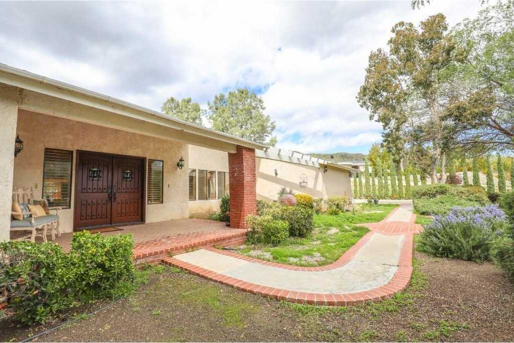 $1,188,800 - 4Br/4Ba -  for Sale in Castaic