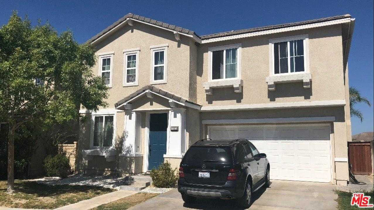 $590,000 - 4Br/3Ba -  for Sale in Canyon Country