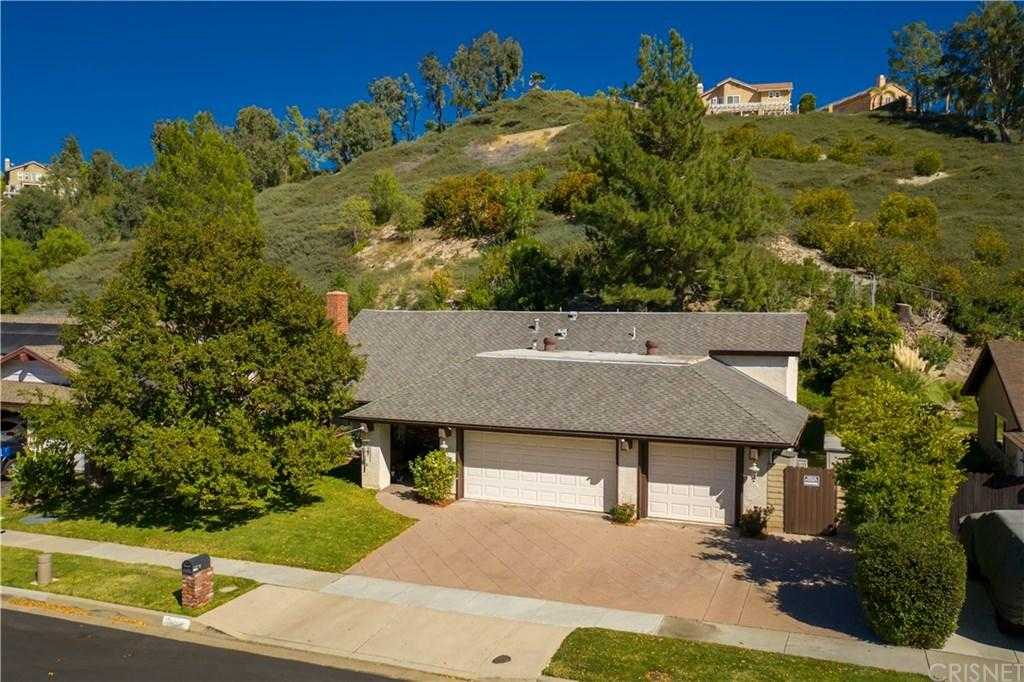 $689,000 - 4Br/3Ba - for Sale in Newhall