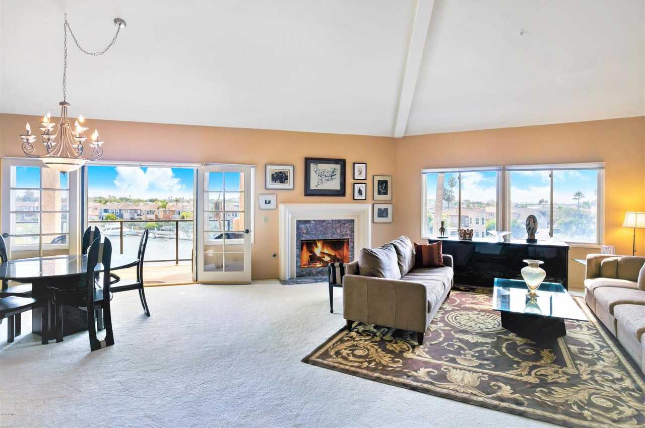$975,000 - 2Br/2Ba -  for Sale in Oxnard