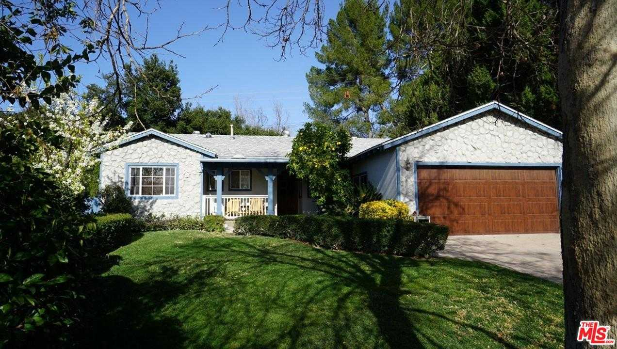 $668,000 - 3Br/2Ba - for Sale in Newhall