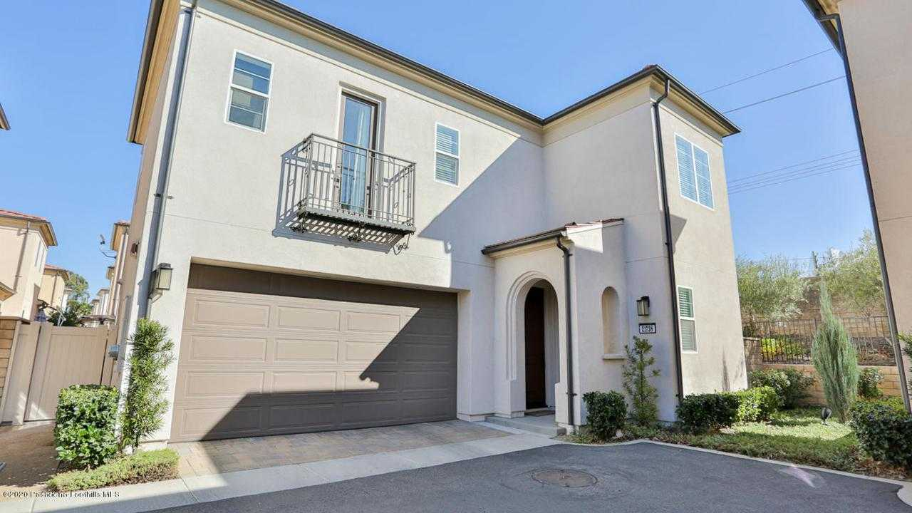 $499,000 - 3Br/3Ba - for Sale in Saugus
