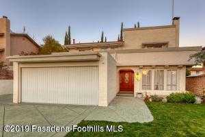 $597,500 - 3Br/3Ba -  for Sale in Sylmar