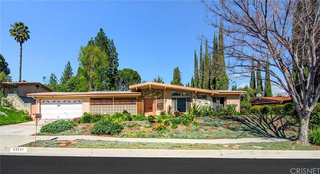 $875,000 - 4Br/3Ba -  for Sale in Woodland Hills