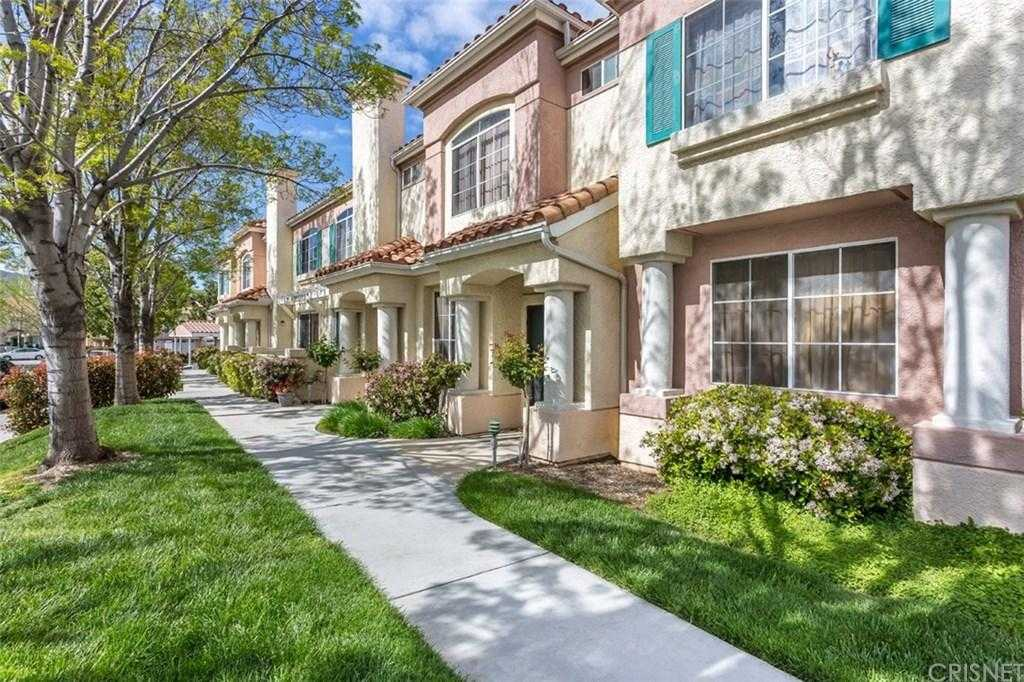 $385,000 - 2Br/2Ba -  for Sale in Canyon Country