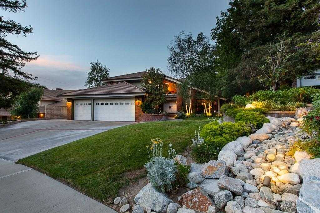 $879,900 - 4Br/3Ba -  for Sale in Newhall