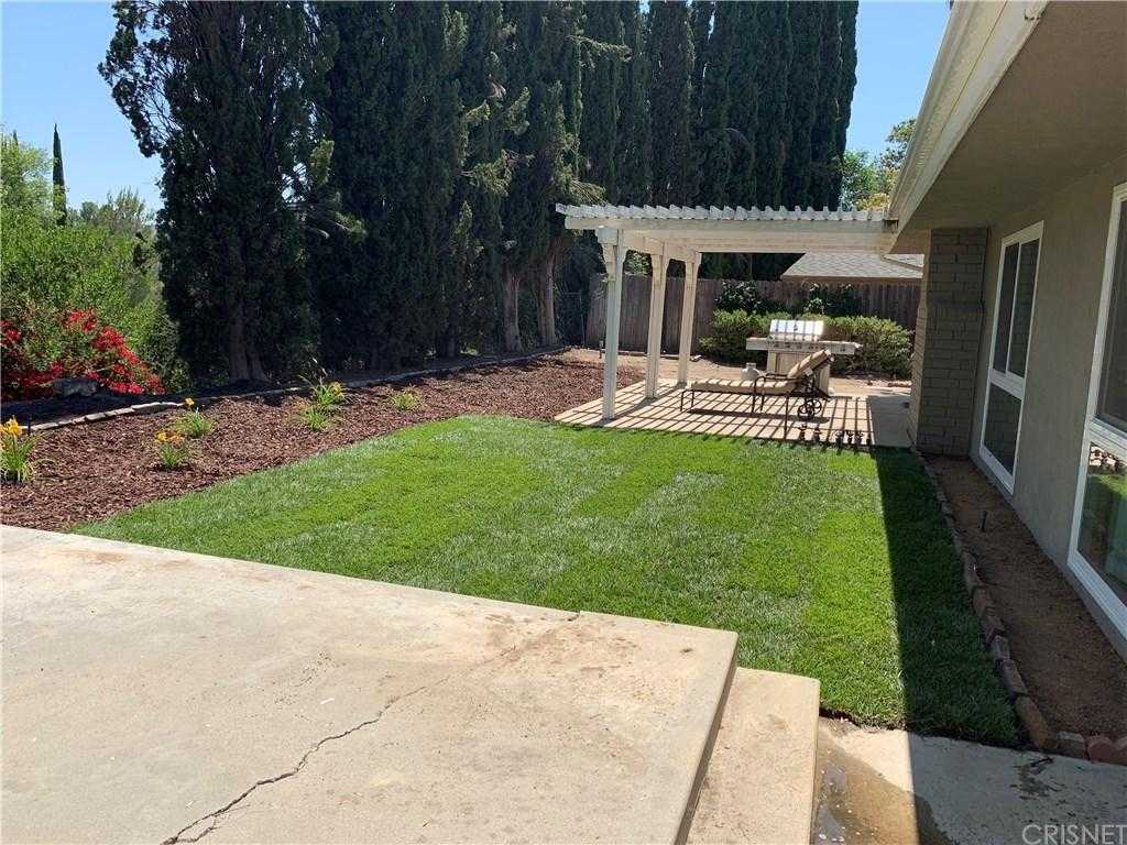 $850,000 - 3Br/2Ba -  for Sale in Woodland Hills