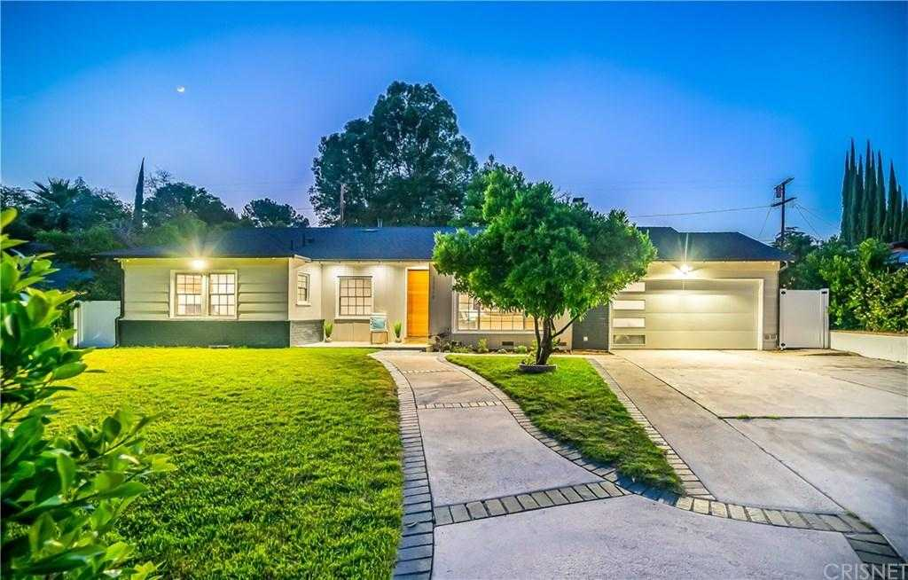 $1,299,900 - 4Br/4Ba -  for Sale in Woodland Hills