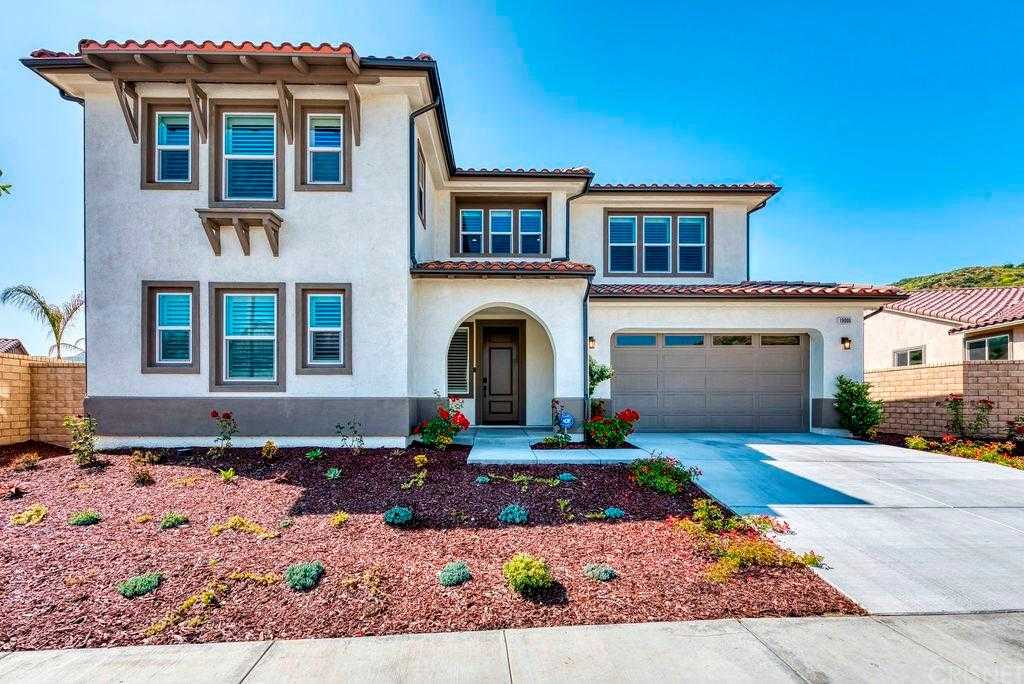 $1,035,000 - 5Br/5Ba -  for Sale in Canyon Country
