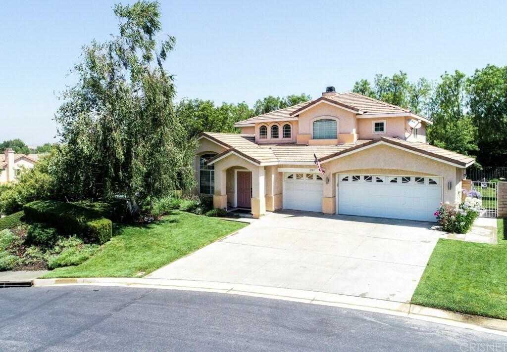 $565,000 - 4Br/3Ba -  for Sale in Canyon Country