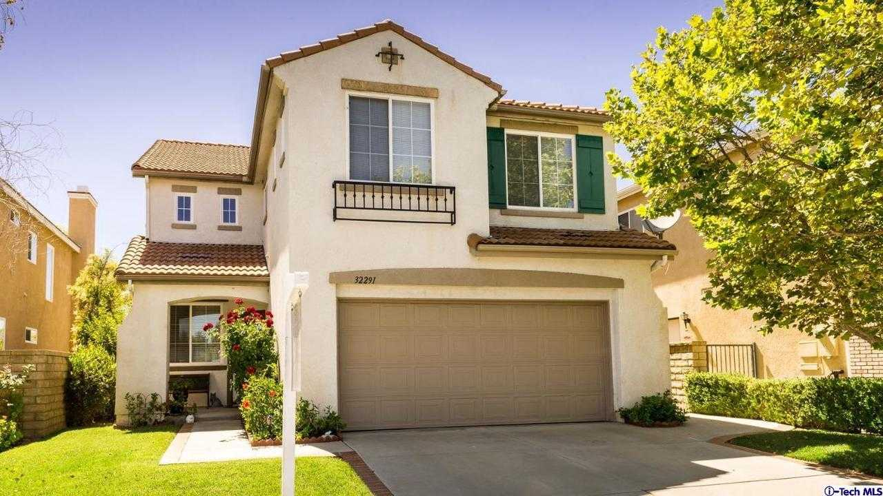 $559,900 - 3Br/3Ba -  for Sale in Castaic