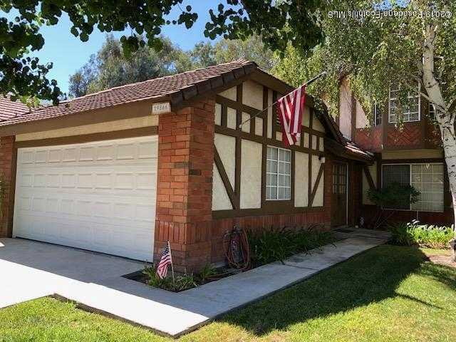 $399,000 - 4Br/3Ba -  for Sale in Canyon Country