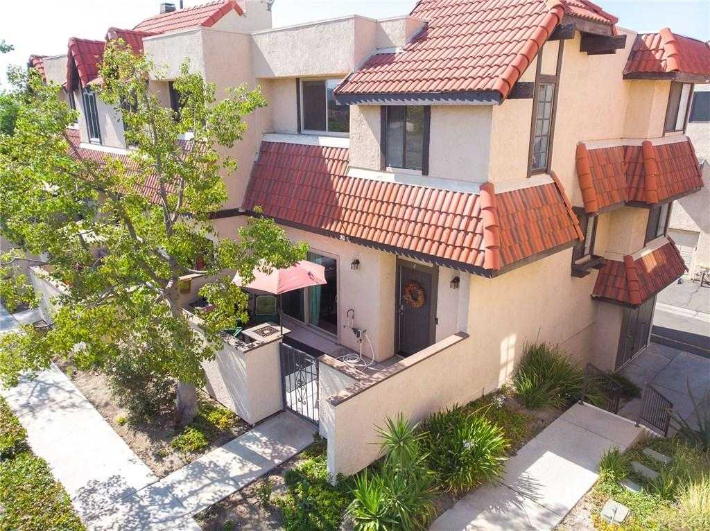 $385,000 - 3Br/3Ba -  for Sale in Canyon Country