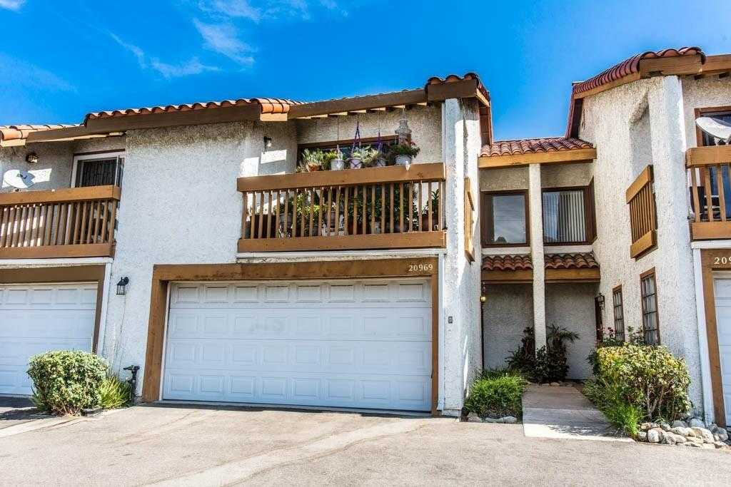 $379,000 - 3Br/3Ba -  for Sale in Newhall