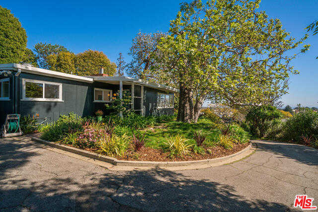 15480 Albright St Pacific Palisades, CA 90272